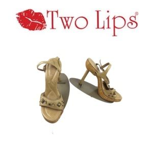 Two Lips Leather Sandals.  Sz 7